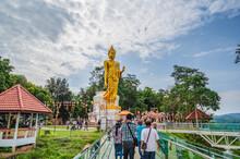 Loei-thailand-23 Oct 2020:Unacquainted Tourist Walking On Chiangkhan Glass Skywalk At  Phu Khok Ngio Big Buddha Chiang Khan District Loei Thailand.