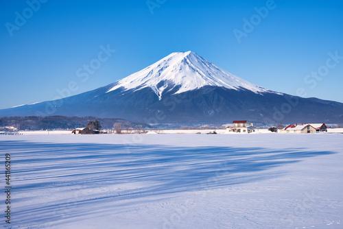 Obraz na plátně 白い雪原に富士山合成