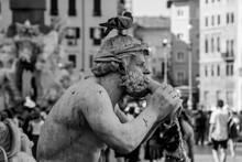 Statue Of Man In City Roma Italia Piazza Navona