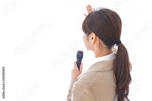 Fototapeta 選挙演説をする女性