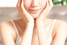 女性の美容(スキンケア)イメージ