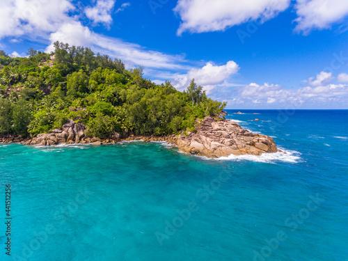 Murais de parede An aerial view on a cliff on Anse Intendance beach on Mahe island in Seychelles