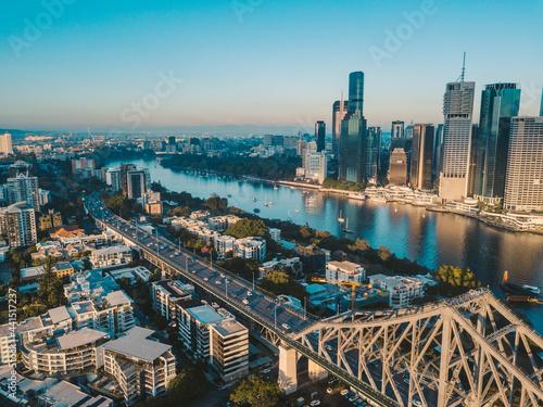 Obraz na plátně Sunrise aerial shot of Brisbane, the Story Bridge and the Brisbane River