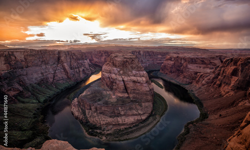 Fotografia Scenic View Of Rock Formation Against Sky During Sunset