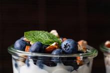 Müsli Frühstück Mit Heidelbeere Haferflocken Und Nüssen In Glas