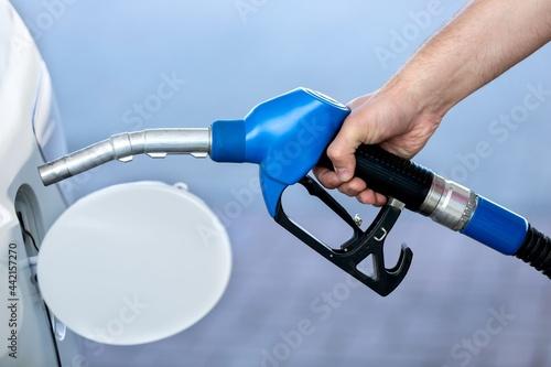 Pumping gasoline into a car Fototapet