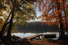 Traumhafte Herbstlandschaft Am See