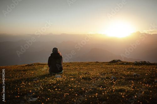 Foto Tramonto monte altissimo lago di garda sul tramonto con persone