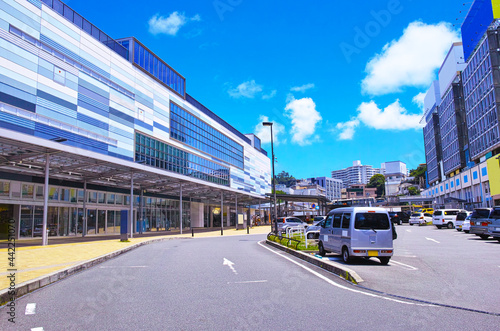 静岡県熱海市の熱海駅前の風景 Poster Mural XXL