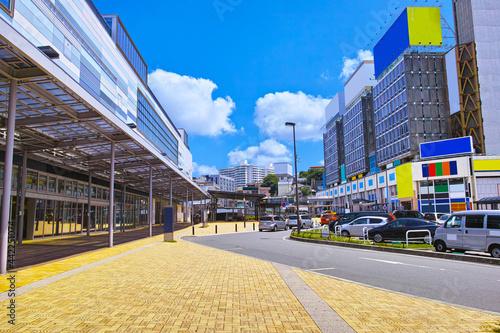 Foto 静岡県熱海市の熱海駅前の風景