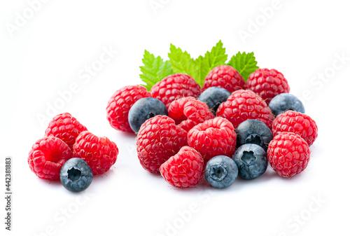 Fototapeta Sweet raspberries with blueberries