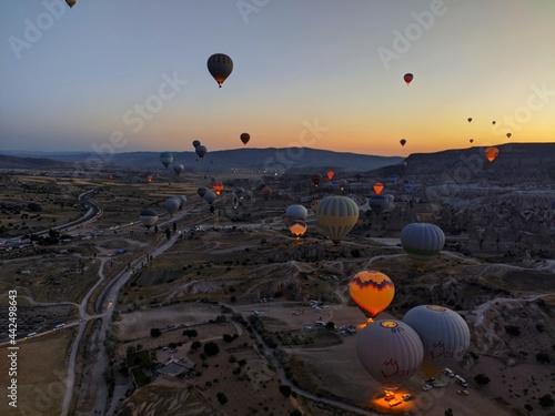 Fototapeta hot air balloon at sunrise