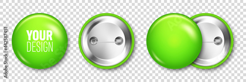 Obraz na płótnie Realistic green blank badge isolated on transparent background