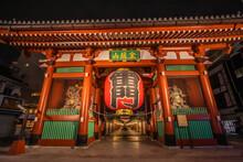 東京都 夜の浅草・雷門
