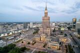 Fototapeta Londyn - Warszawa - centrum miasta, zachód słońca, wieżowce widziane z drona