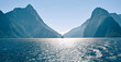 Mildford Sound im Fiordland-Nationalpark im Südwesten der Südinsel von Neuseeland.   höchste Berg - Mitre Peak  Bootstour