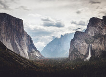 Tunnel View Bridal Veil Falls Yosemite National Park On Cloudy Day