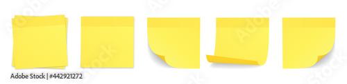Valokuvatapetti Realistic yellow stick note set