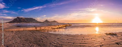Fotografia, Obraz Scenic vista of Table Mountain, Cape Town, South Africa