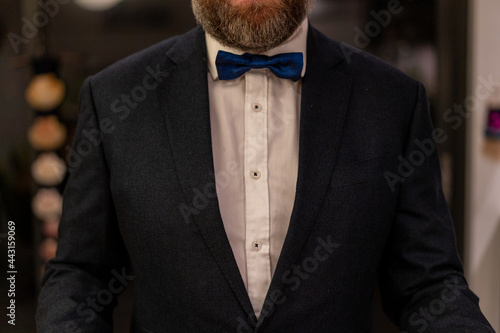 man in tuxedo Fotobehang