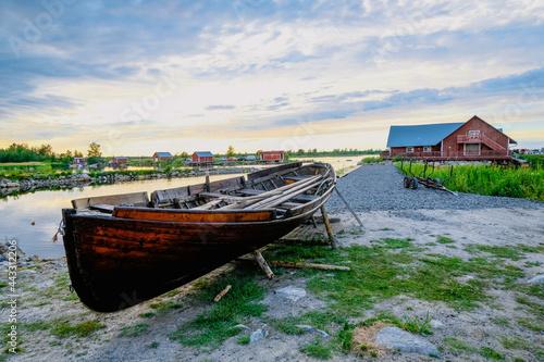 Fotografie, Obraz Fischerdorf Ruderboot Svedjehamn Kvarkens skärgård Finnland vibes skandinavisch