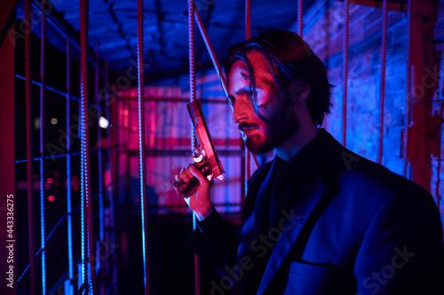 Fotografering criminal man behind bars