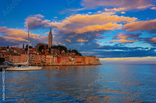 Fotografiet Wonderful morning view of old  Rovinj town with multicolored buildings and yachts moored along embankment, Croatia