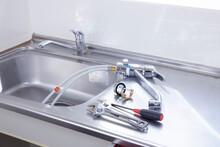 シンクの水栓の交換工事