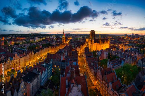 Obraz na plátně Amazing architecture of the main city in Gdansk at sunset, Poland