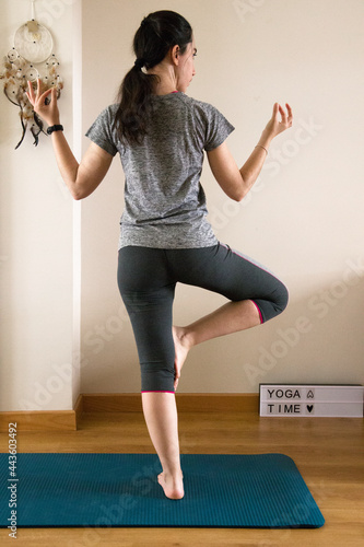 Obraz na plátně woman in balance doing yoga
