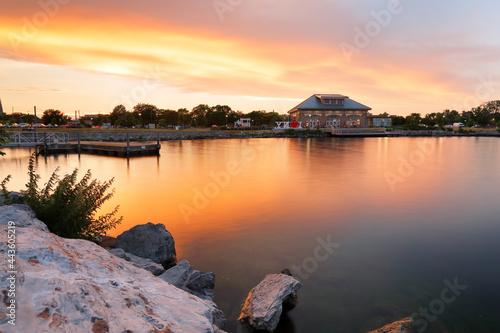 Fototapeta Beautiful sunset of Seneca Lake in Finger Lakes region of upstate of New York, G