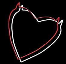 Cœurs Endiablés Sur Fond Noir