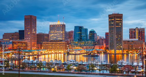 Fotografie, Obraz View on Baltimore skyline and Inner Harbor from Federal Hill at dusk, Maryland
