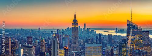 Stampa su Tela Aerial view of New York City Manhattan at sunset