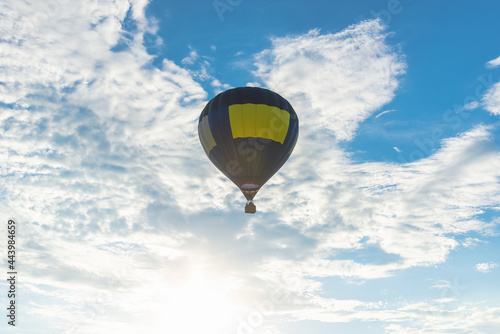 Fototapeta Hot Air Balloon and blue sky white cloud