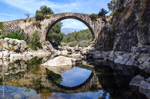 Stampa su Tela Pont romain dans les gorges de la rivière Alardos