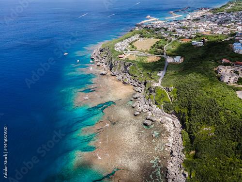 Fotografering 沖縄県・伊良部島・サバウツガー周辺の海と佐良浜の街並み