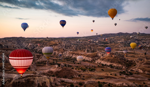 Obraz na plátně Top view of hot air balloon festival in Cappadocia, Turkey