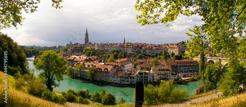 Fotografering Panoramic view over the picturesque old town of Bern and the Aare river
