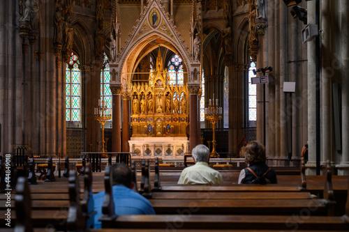 Billede på lærred The main altar in the Votivkirche – Votive Church, Vienna, Austria