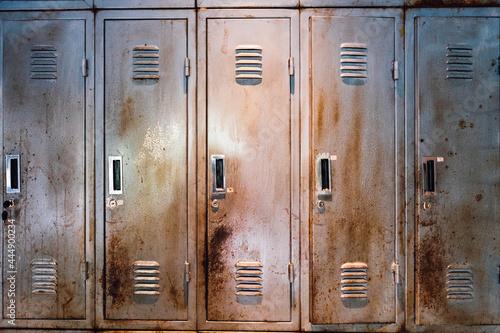 Obraz na plátne rusty old broken locker