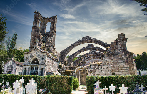 Fotografia Cementerio y ruinas antigua iglesia de Santa Mariña en Cambados, provincia de Po