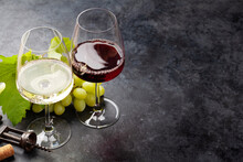 White And Red Wine Glasses And White Grape