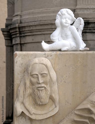 Canvas Print Tombe d'enfant dans le cimetière marin de Sète, Hérault, France