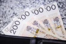 Szalejąca Inflacja W Polsce Sprawia, że Pieniądze Drastycznie Tracą Swoją Wartość.