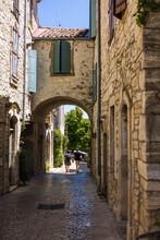 Ruelles Médiévales De Vézénobres En été (Occitanie, France)