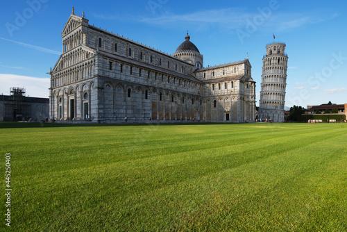 Torre pendente di Pisa, con Basilica e Cattedrale in Piazza dei Miracoli, Italy Fototapeta