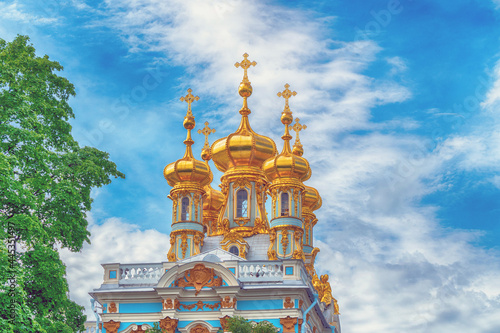Tela Golden domes of the Catherine Palace in St. Petersburg