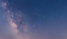 Perseidas, Lluvias De Estrella Cruzando La Vía Láctea Y Las Nebulosas M8, M11, M6