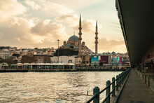 Turkey, Istanbul, Golden Horn Canal At Dusk With Yeni Cami Mosque In Background